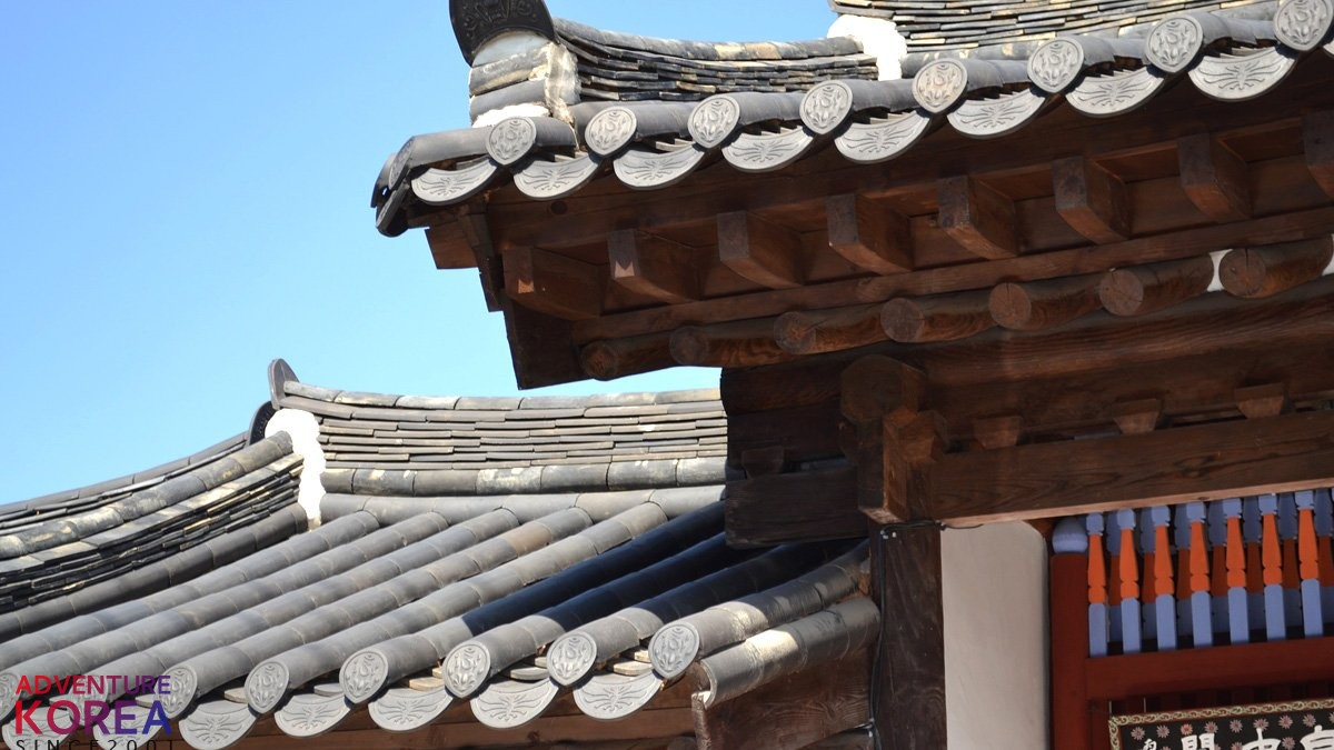 Amazing Korean culture and history package (temple stay, handcrafting, traditional stage play, biking and much more..)